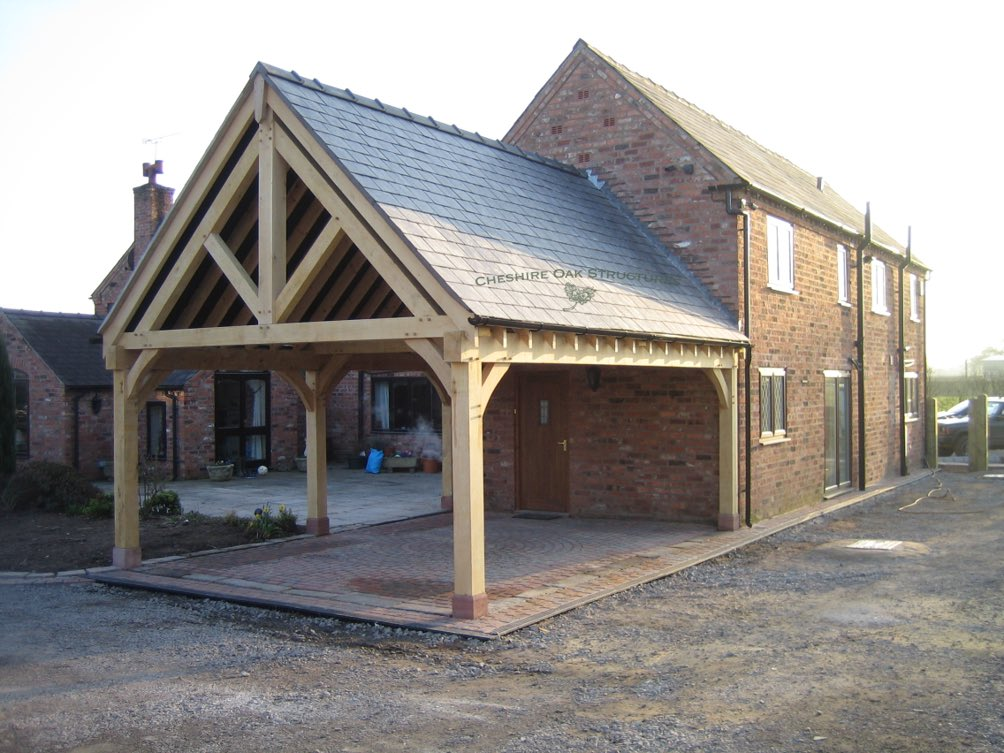 Oak_Carport_with_Truss_Wales