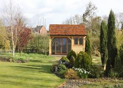Oak-Frame-Summerhouse_Staffordshire