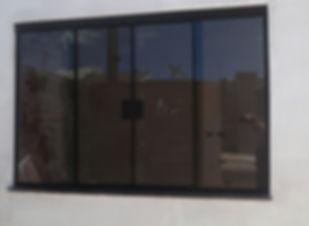 janela-vidro-fum-ou-verde-8mm-temperado-