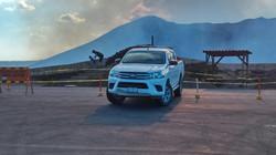 Toyota Hilux 4x4 overlooking Masaya