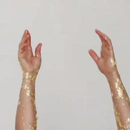 Woman golden Crane- Hands.mp4