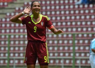 """Deyna Castellanos: """"La nominación al premio de la FIFA es un sueño"""""""