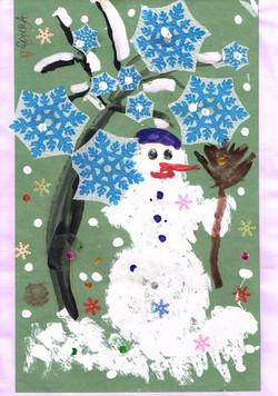 Мы слепили снеговика Ахметова Соня.jpg