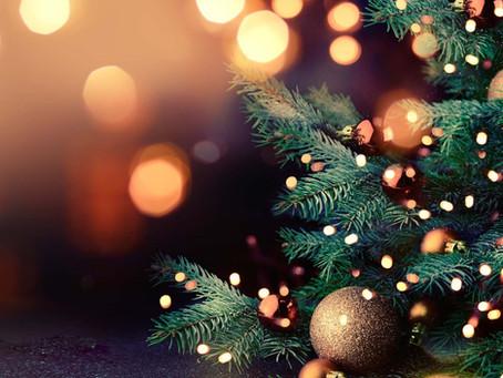 Copa de abundancia para la cena de navidad y año nuevo
