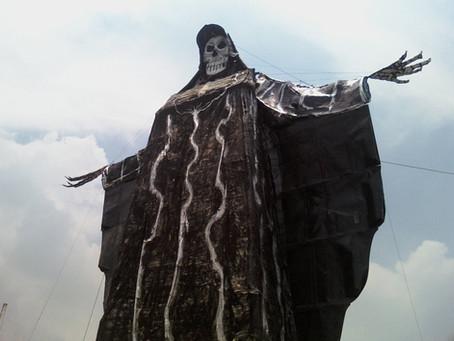 Plegaria de ocho peticiones a la Santa Muerte