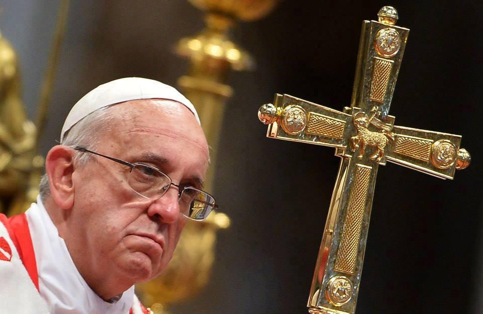 papa-francisco-solideu-cruz-de-bento.jpg