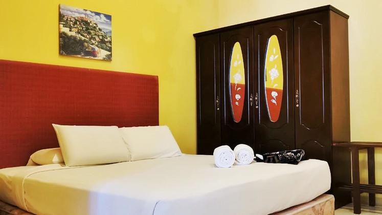 semi-d suite_bedroom.JPG