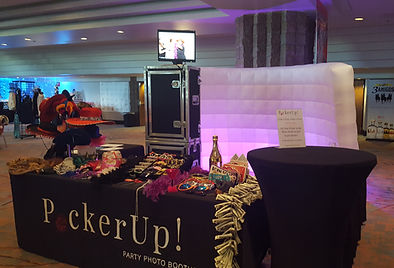 pucker up photo booth, phoenix photo booth, tucson photo booth rental, arizona photo booth, deluxe photo booth package, photo booth, foto booth, photobooth, open photo booth, wedding, corporate event, parties, quinceaneras, birthdays, reunions, holiday parties, fairs, festivals, concerts, sport events, church events