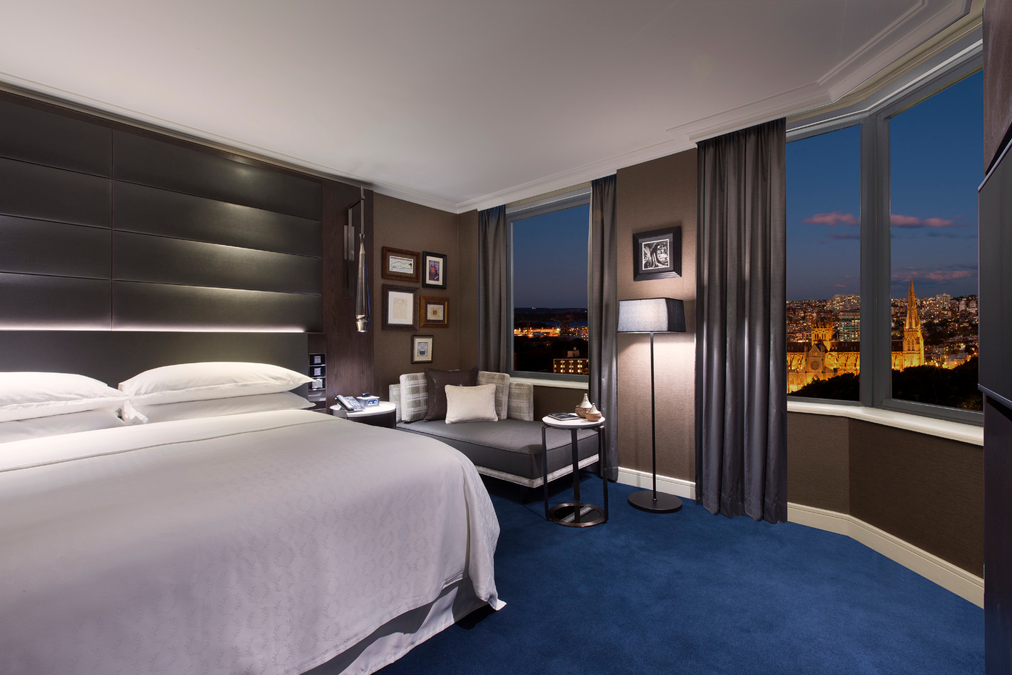 006_Grand Executive Suite_Bedroom.jpg