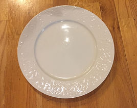Kelli's Party Rental plates for rent on a budget, low price