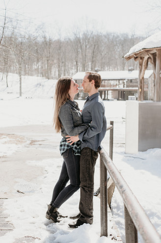 Couple celebrating their marriage with a winter photoshoot in nature
