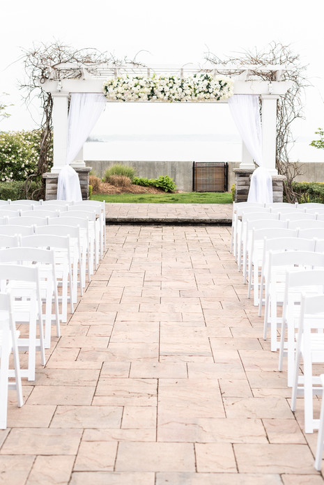 Greentree Country club outdoor wedding ceremony