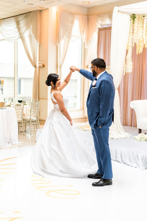 Bride and groom at the Greentree Country Club