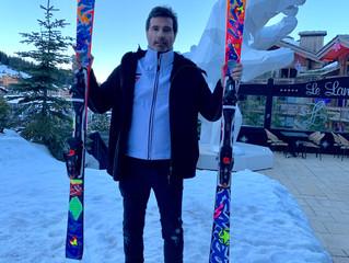 Skis Strato par Richard Orlinski
