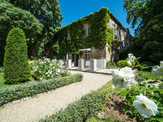 [Baumanière] 9 Exquisite Places to Luxuriate in Provence, France.