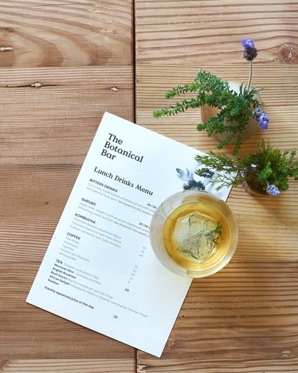 aromatic gin at the botanical bar - food styler and food photographer  Naima Maleika