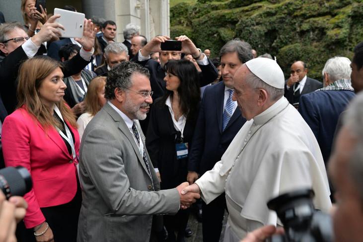 Papa Francisco reitera interesse em visitar Amazônia e demonstra preocupação com floresta