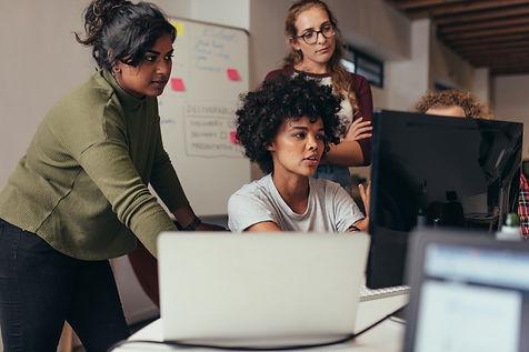 Women-tech-workers.jpg