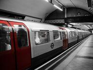 subway-2227664_1280.jpg