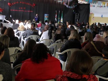 Secretaria de Educação promove palestras aos professores da rede