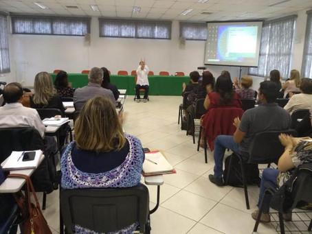 Educação realiza palestra com educador físico e ambiental