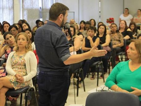 Palestra de Renato Casagrande marca fechamento do ano na Rede Municipal de Educação