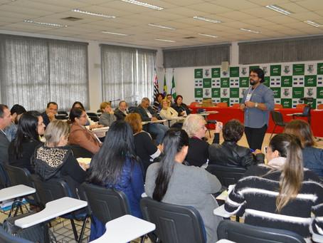 PROFESSORES DA REDE MUNICIPAL PASSAM POR CAPACITAÇÃO DO PROGRAMA 'MELHORIA DA EDUCAÇÃO'