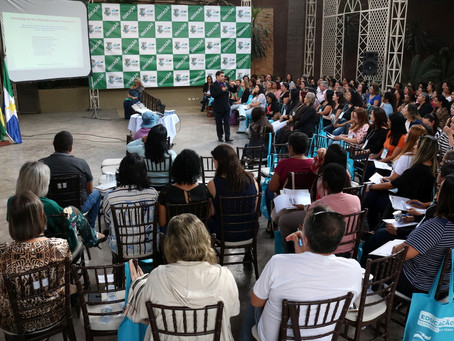 PALESTRA COM ESPECIALISTA EM METODOLOGIA ENCERRA O I SEMINÁRIO DE EDUCAÇÃO