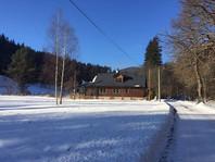 Zima na Žabaštejně - příjezdová cesta