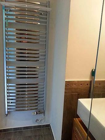 Sušící žebřík v koupelně