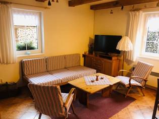 Malá chalupa - obývací pokoj.jpg