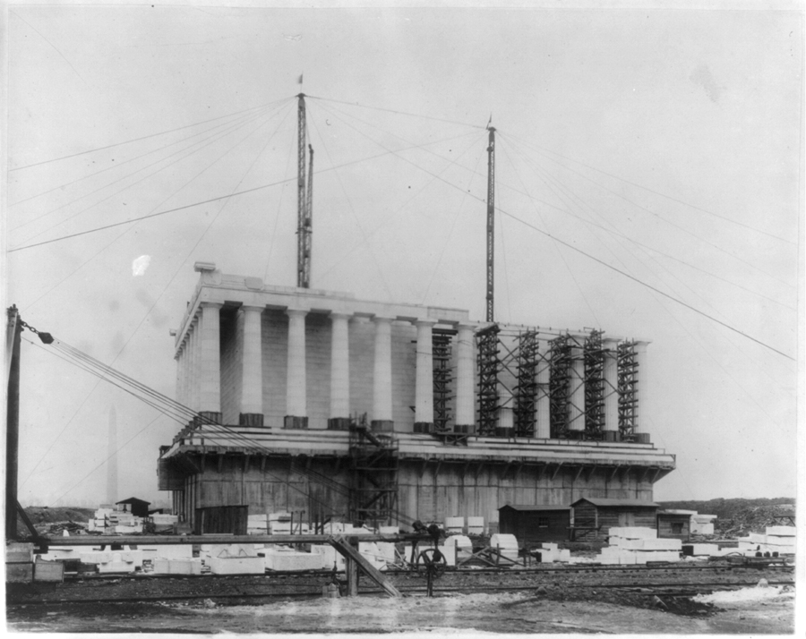 Construction of Lincoln Memorial