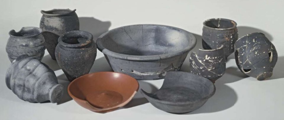 greyware-assemblage-stonea-bm.jpg
