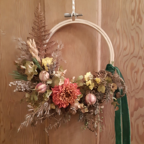 Simply Autumn Dried Flower Wreath