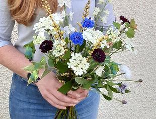Hand-tied bouquet Standard.jpg