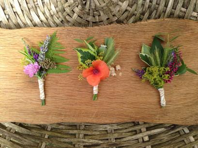 Garden style buttonholes