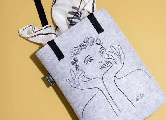 CaRRoL BoYeS ShoPPinG BaG Radiant GreY SkeTchBooK Limited Edition