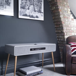 r7-mk3-lifestyle-04-soft-grey.jpg