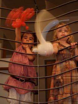 Balloonsgirls1