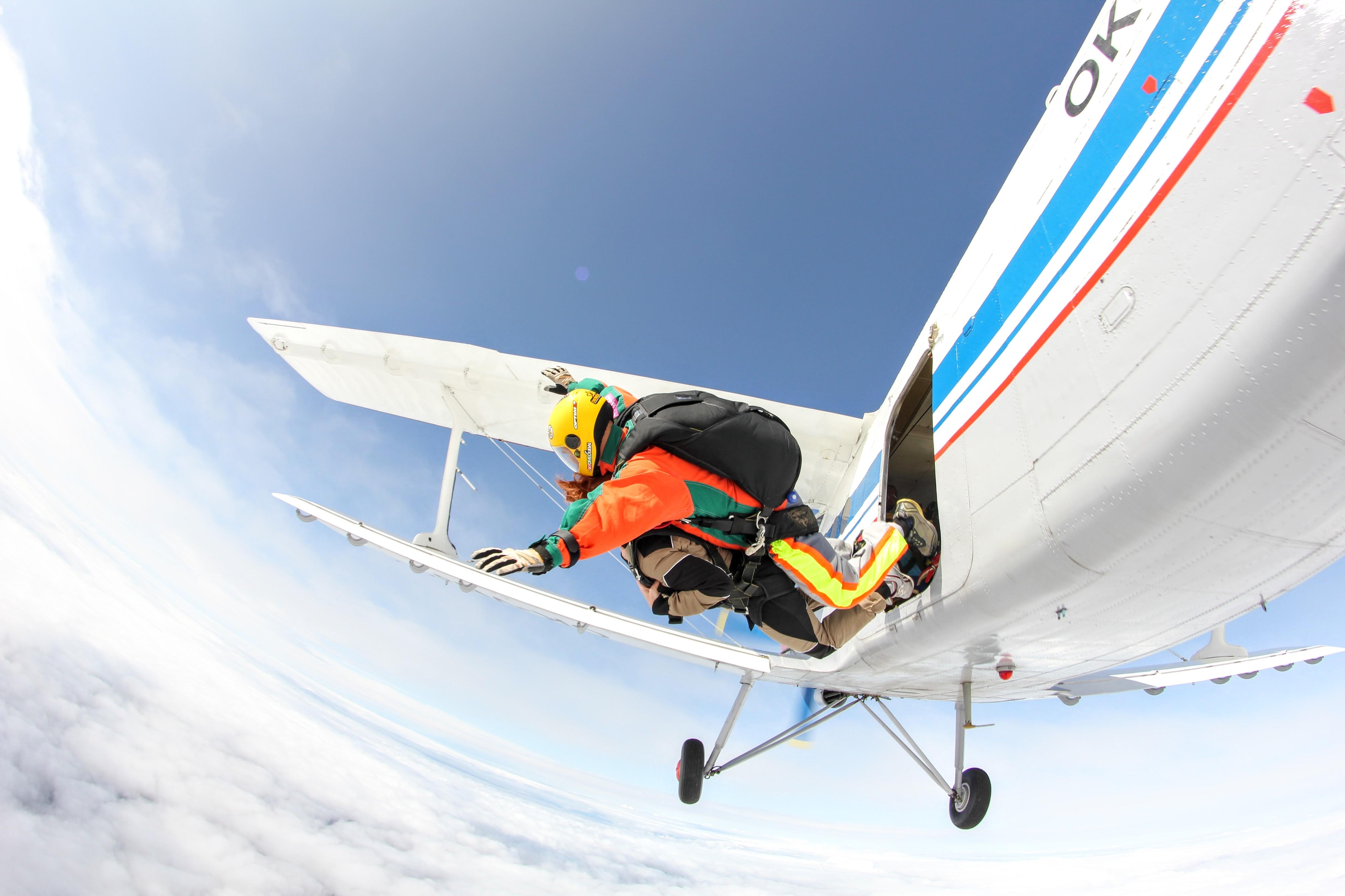 Výskok z An-2 👈