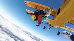 Výskok z An-2 ↙