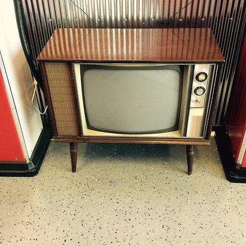 Vintage TV Stand With Hidden Bar