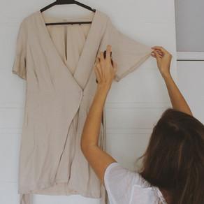 Como tirar amassado das roupas - Sem usar ferro ou vapor - Dica rápida e natural