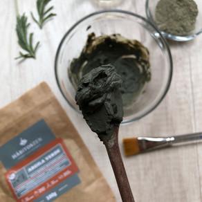 DETOX NAS AXILAS - Ameniza odor forte, pelo encravado e ajuda na transição para deo natural