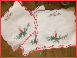 Doilies from