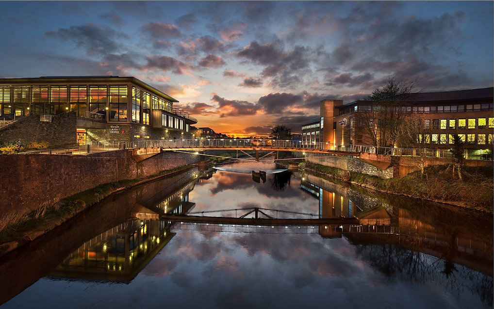 An image of the Strule River in the centre of Omagh, Northern Ireland. Overlooked from a walking bridge