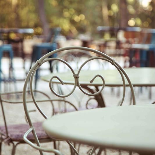 Εξωτερικά τραπεζοκαθίσματα gardencafe