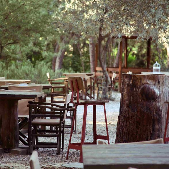 Outside tables | gardencafe.gr