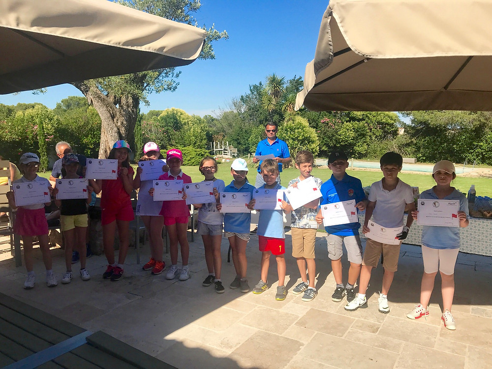 Ecole de golf: remise des drapeaux golf Saint Thomas