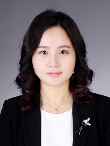 정성희 변호사 사진.jpg